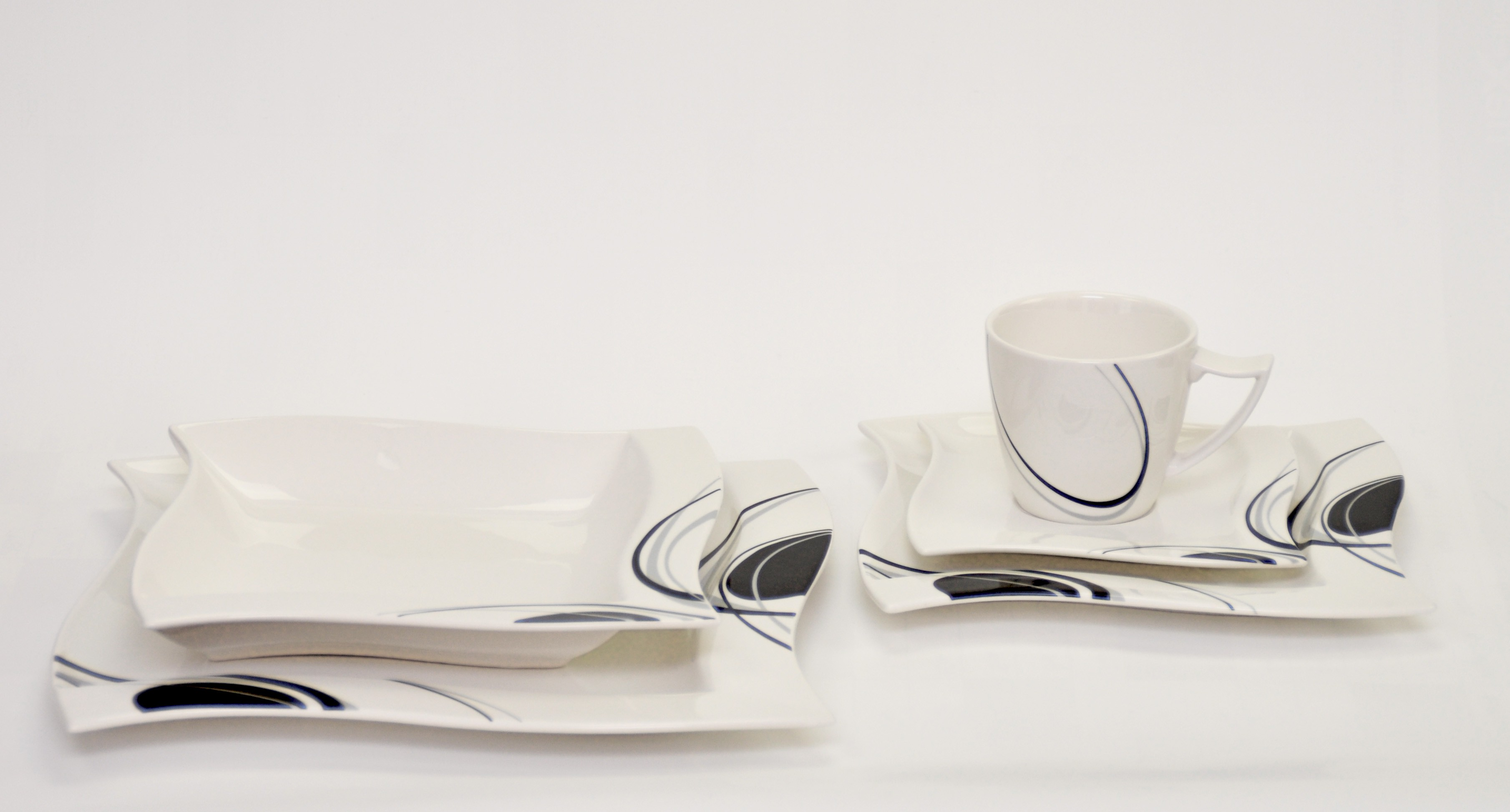 kaffeeservice scarlett 36 teilig eckig porzellan f r 12. Black Bedroom Furniture Sets. Home Design Ideas